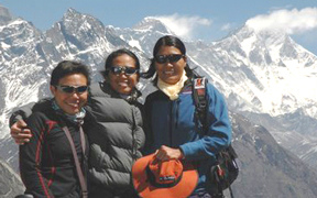 Pinays on Everest